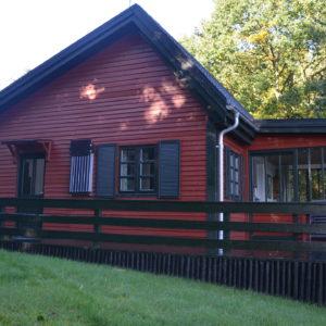 03 Bryrup - Huset med nordøstvendt terrasse. Perfekt til morgenmad.